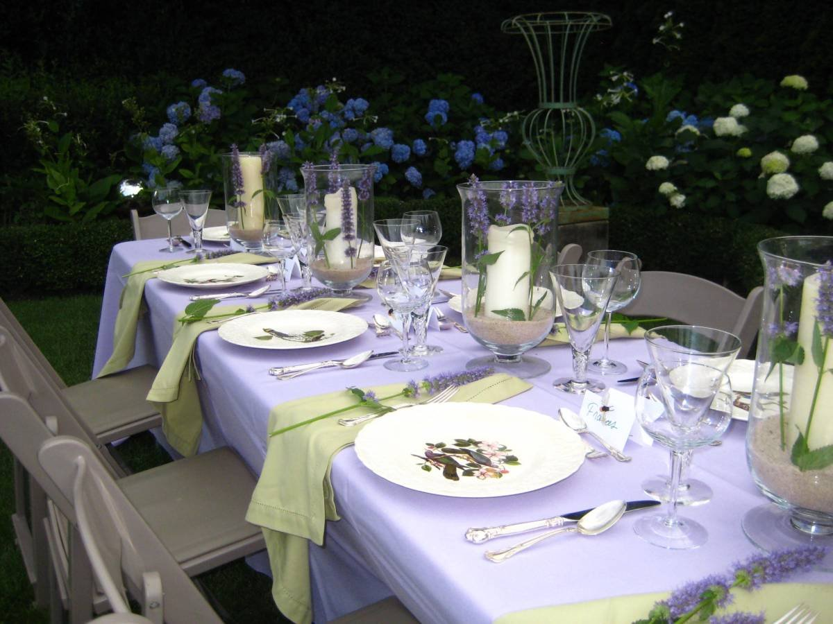 Easy Summer Entertaining:When Merely Pretty Is Enough