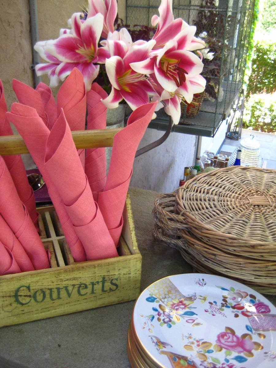 Sunday lunch setup with coral napkins