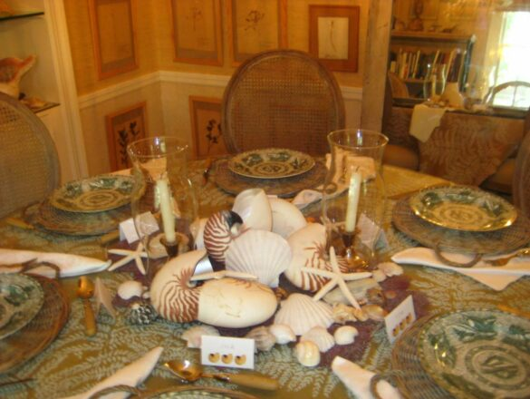 Bee dining table