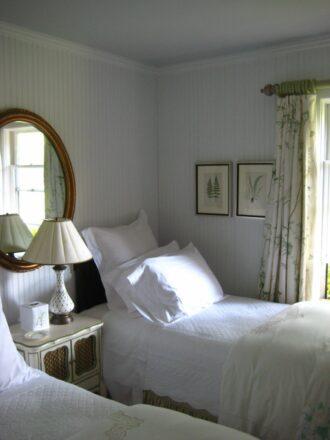 Podge guest room